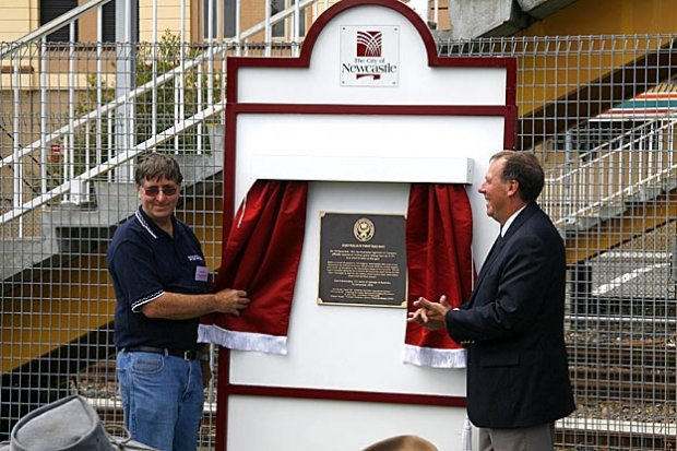Newcastle Lord Mayor John Tate and NIHA President, Bob Cook.