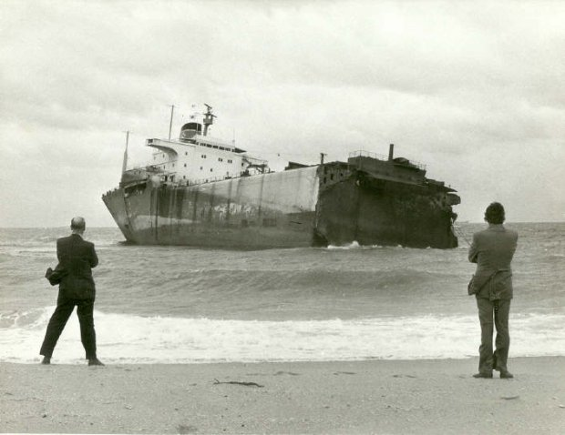 Sgyna on Stockton Beach 1974. Thanks to Ross Craig from Stockton Historical Society.