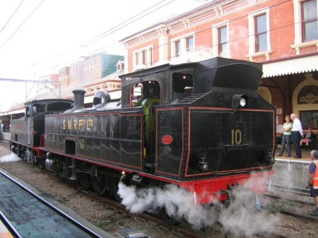 No.10 was built by Beyer Peacock of Manchester in 1911, No.18 was built in 1915 and restored in the Southern Highland.