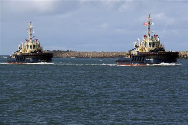 SVITZER NESO & NIXIE entering Port.